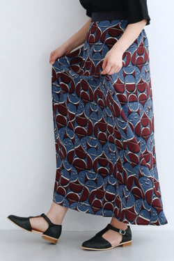 merlot(メルロー)幾何学柄ロングフレアスカート