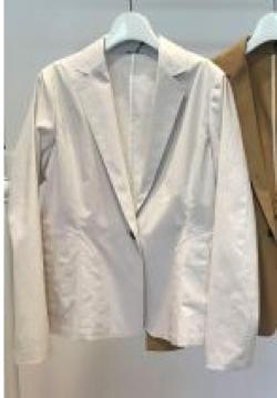 BEATRICE(ベアトリス)テーラードジャケット