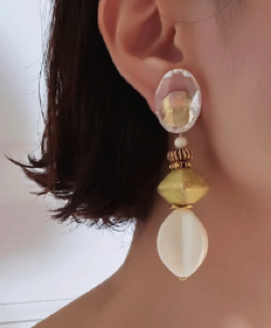 presence clear × gold × yellowgold × ivory  ピアス