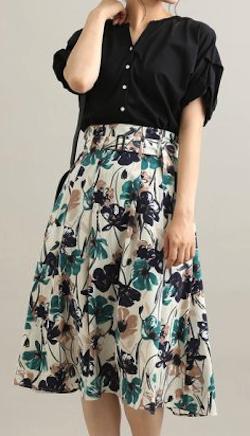 ViS(ビス)花柄タックフレアスカート