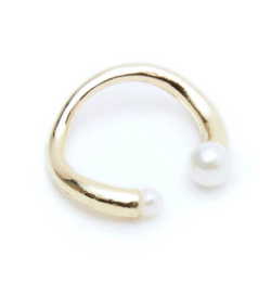 ROOM point pearl cuff ring