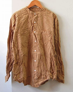 VAS-Y LENTEMENT(ヴァジーラントマン)ギンガムチェック柄のシャツ