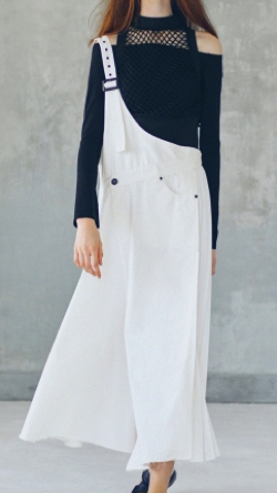 AULA AILA(アウラアイラ)MONOTONE ONE SHOULDER JUMPER SKIRT