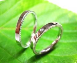ジュエリーコウキ プラチナ結婚指輪(鍛造&彫金)光沢 ダイヤ入り 側面にミル打ち