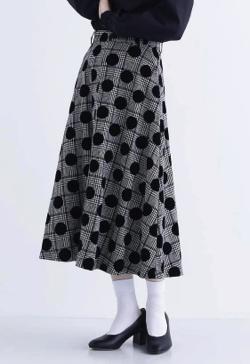 merlot plus フロッキードットAラインスカート