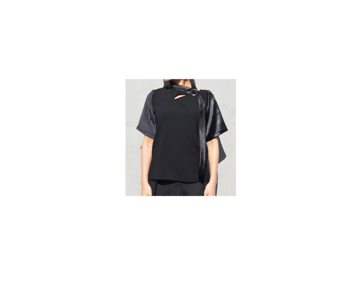 広瀬すず さんが【FNS春の祭典2020】 で着用していた 黒のかわいい半袖トップスのブランド【FNS春の祭典2020】2020/3/28《広瀬すず》さん着用黒いTシャツ
