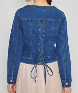 【tocco closet】上品コーデを程よくくずしてくれる後ろレースアップデザインデニムジャケット