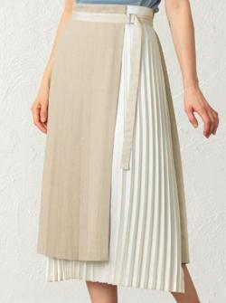 CAST: プリーツコンビスカート