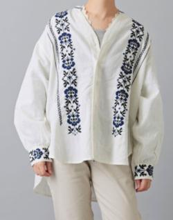 CUBE SUGAR インド 綿麻スラブ×刺繍 Vネック シャツ