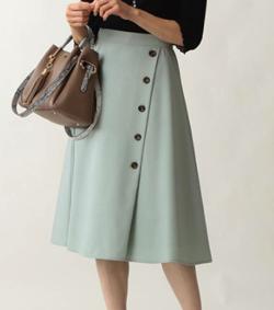 Stola. セットアップ 釦ディティールスカート