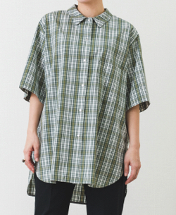 yori ステンカラーチェックシャツ