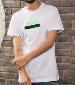 DIESEL シークレットロゴプリントTシャツ