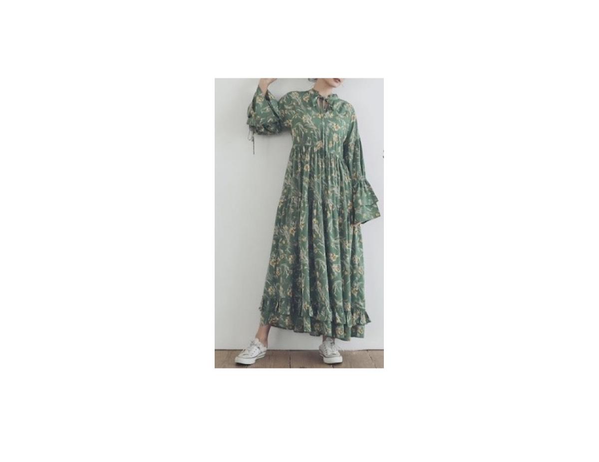 【Instagram】《小林麻耶》さん着用ワンピースのブランド小林麻耶さんが【Instagram】で着用している服(私服)・衣装(ファッション・ブランド・バッグ・アクセサリー・靴等)やコーデ・メイク