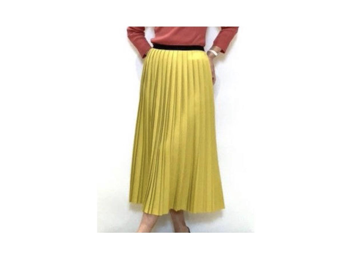 金井美樹 さんが【SUITS/スーツ 2】の ドラマ の中で着用している 服(服装)・衣装(洋服・ファッション・ブランド・バッグ・アクセサリー等)やコーデ【番組公式twitter】《金井美樹》さん着用ファッション(スカート)のブランドはこちら♪