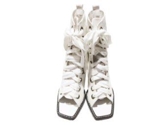 山本舞香 衣装【火曜サプライズ】着用ファッション(白いブーツ)のブランドはこちら♪山本舞香(やまもと まいか)さんが【火曜サプライズ】で着用しているファッション・衣装(服・バッグ・アクセサリー・腕時計・靴など)やコーデ