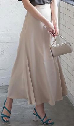 神戸レタス サイドボタンマットサテンスカート