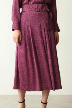 PINKY&DIANNE ベルトモチーフプリントフレアスカート