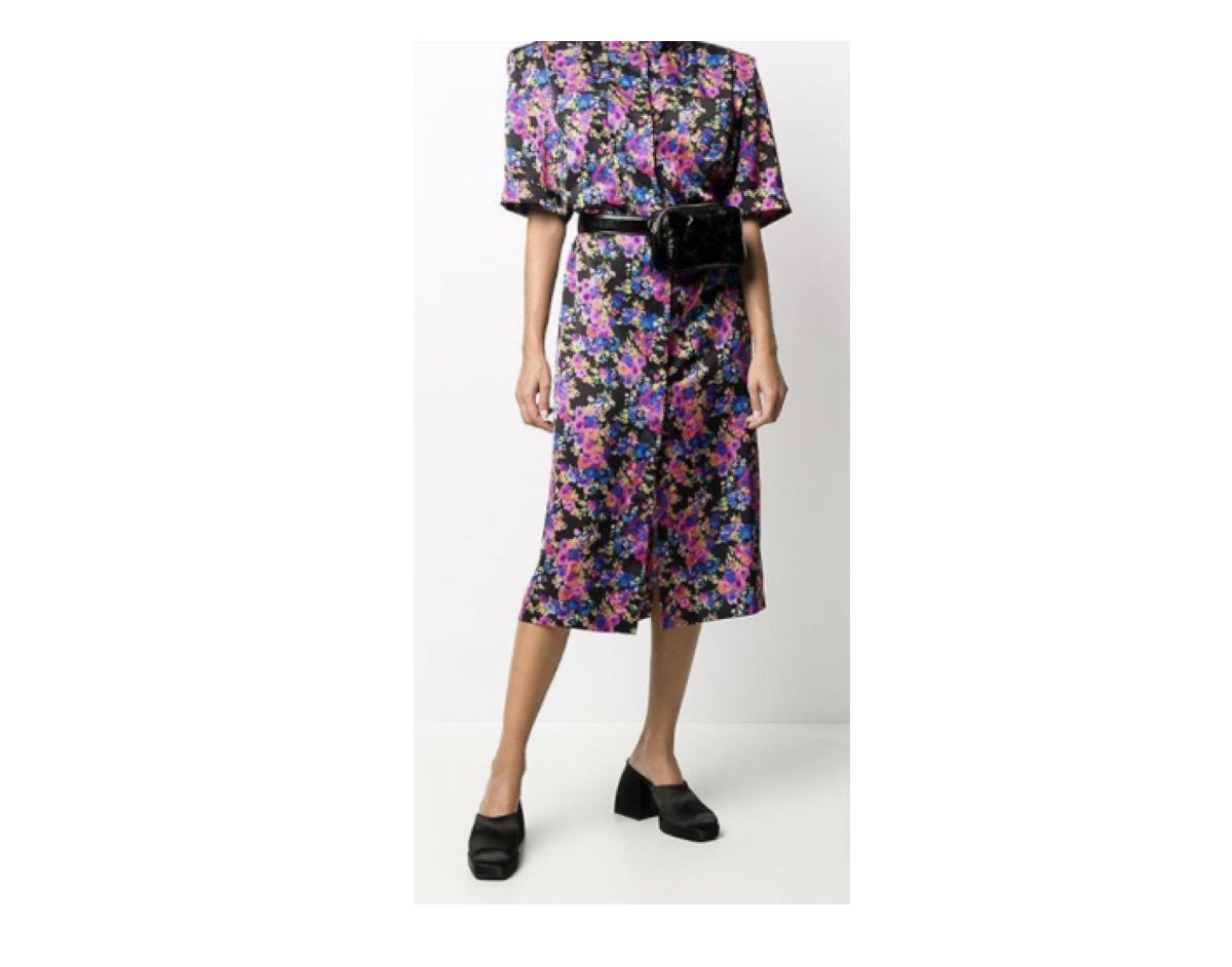 小松菜奈 衣装【映画「糸」】着用ファッション(服・ドレス)のブランドはこちら♪小松菜奈さんが【映画「糸」】で着用しているファッション・衣装(服・バッグ・アクセサリー・腕時計・靴など)やコーデ