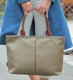 Otias ナイロン×ポリエステル混紡ツイル+ヌメ革トートバッグ