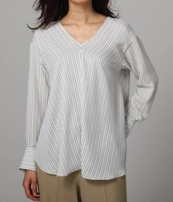 UNTITLED グラフィカルストライプブリントシャツ
