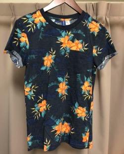 H&M 花柄Tシャツ