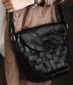antiqua 細部にまで拘った育てる本革バッグ。レザーショルダーバッグ・us-00021