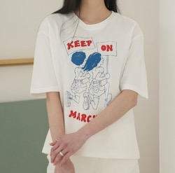 UNE MANSION MARCHINデザインプリントTシャツ