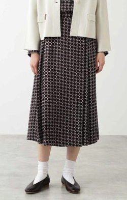 HUMAN WOMAN クラシックプリントスカート