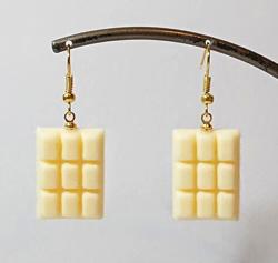 RIE-T ぷにゅぷにゅ板チョコのイヤリング