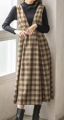 Swingle ハイネックプルオーバー×ジャンパースカート