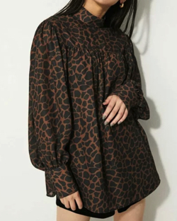 LAGUA GEM ANIMAL AIRY BLOUSE