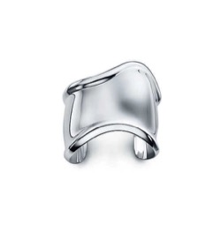 TIFFANY & Co. エルサ・ペレッティ™ ボーン カフ(ミディアム)
