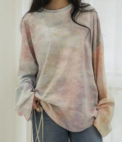 UNE MANSION ユニセックスタイダイクルーネックTシャツ