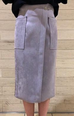 Perle Peche ダブルフェイスフェイクスエードタイトスカート