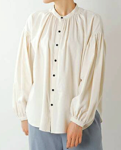 MANON コットンツイルアミカルシャツ