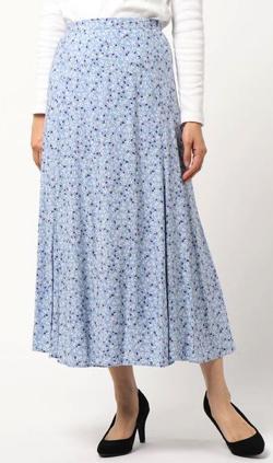 シューイチ 中島芽生 ブルーの小花柄マーメイドスカート