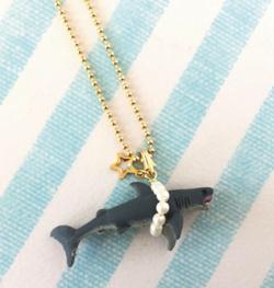Majiatermos パールに捕まったサメ