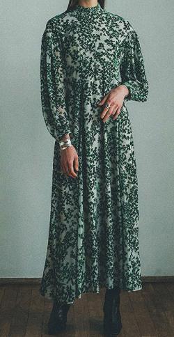 グータンヌーボ2・田中みな実 衣装グリーンのリーフ柄ワンピース