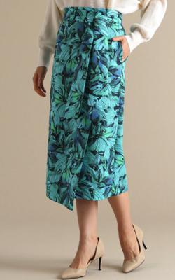 Tiara グラデフラワープリントタイトラップスカート