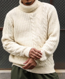 The DUFFER of ST.GEORGE MIDDLE-GAUGE TURTLE KNIT