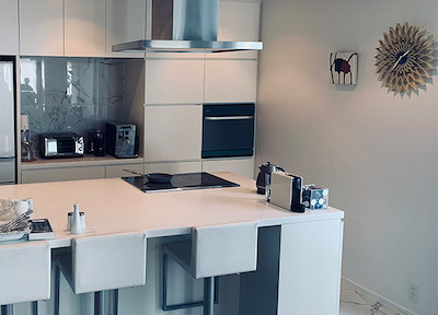 キッチンと寝室のインテリア