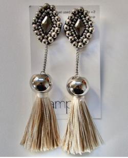 amplis quest tassel earring