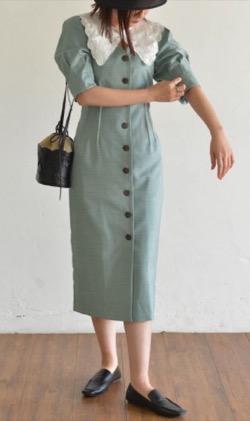 Lily Brown (リリーブラウン)衿付きVネックワンピース