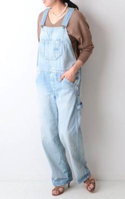 吉田羊 (蒲原トキコ)衣装ブルーのオーバーオール