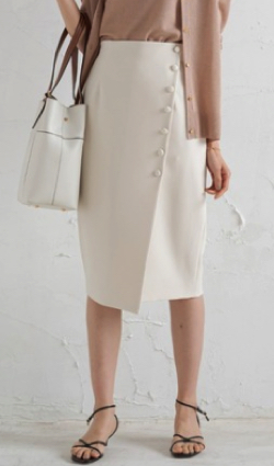 Loungedress ボタンタイトスカート