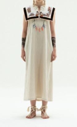 あざとくて何が悪いの弘中綾香刺繍デザインワンピース