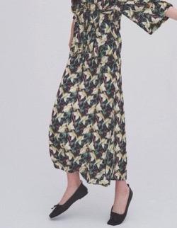 【ゼロイチ】指原莉乃(さっしー)さん衣装黒いアロハ柄プリントロングスカート