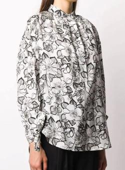 有吉の壁佐藤栞里 ホワイトのフローラルシャツ