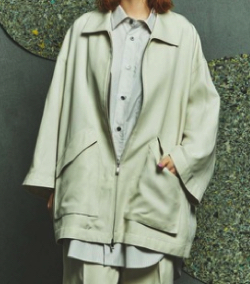 ナイトドクター田中圭 ホワイトのブルゾン