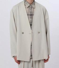 ナイトドクター岸優太 ライトベージュのジャケット